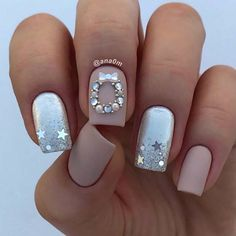 69 Easy Winter and Christmas Nail Ideas Chistmas Nails, Cute Christmas Nails, Xmas Nails, Bling Nails, Holiday Nails, Christmas 2019, Elegant Christmas, Winter Christmas, Elegant Nail Designs