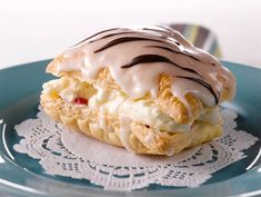 Napoleon Pastries ❤❤❤ Napoleon Pastry is a crispy butter butter pastry . Napoleon Pastry, Napoleon Cake, Butter Pastry, Pastry Cake, Baking Recipes, Cake Recipes, Finnish Recipes, Tasty Pastry, No Bake Desserts