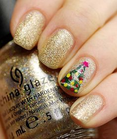 Christmas Nail Art Design Ideas 2013-2014 OMG is this not the cutest design ever? @Sasha Hatherly Hatherly Hearn @Kyleigh Orlebar Orlebar Hearn @Elaine Hwa Hwa Pouwels @Anneliese Hearn