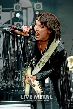 Black Sabbath Members, Lzzy Hale, Halestorm, Hot Band, Hard Rock, Rock N Roll, Heavy Metal, Poses, Female