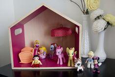House Tour   The Girl's Shared Room (via @jenloveskev)