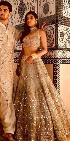 Indian Wedding Gowns, Indian Bridal Lehenga, Indian Gowns Dresses, Indian Bridal Outfits, Indian Bridal Fashion, Indian Fashion Dresses, Indian Designer Outfits, Bridal Dresses, Gold Lehenga Bridal