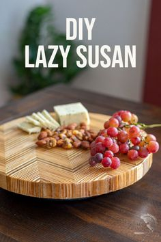 This is SO cool! Wait till you see what this turned into! Easy DIY Patterned plywood lazy susan turntable Kreg Jig Projects, Scrap Wood Projects, Woodworking Projects That Sell, Diy Furniture Projects, Woodworking Tips, Wood Projects For Beginners, Wood Working For Beginners, Easy Diy Projects, Project Ideas
