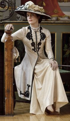 Elizabeth McGovern as Cora Crawley, Countess of Grantham | Downton Abbey