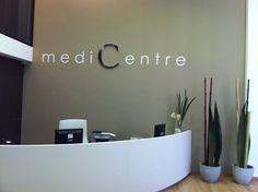 Recepción centro médico, especialistas en Ozono-terapia. Barcelona.