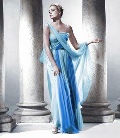 """Design Innova: Os 25 Vestidos Inesquecíveis do Cinema """"...O vestido azul usado por Grace Kelly no filme Ladrão de Casaca (To Catch the Thief, 1955) - O vestido  em chiffon e organza possui dois tons de azul e foi criado pela figurinista Edith Head."""""""