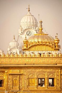 The Golden Temple, Amritsar, India♥  For classic jewelry: www.etsy.com/shop/BlueDivaDesigns #bluedivagal