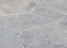 Eco Outdoor Andorra Crazy Paving provides great design flexibility for residential and commercial paving projects, perfect for indoor and outdoor use. Flooring Companies, Flooring Options, Cobblestone Paving, Limestone Pavers, Garden Paving, Outdoor Paving, Crazy Paving, Paving Design, Warm Colour Palette