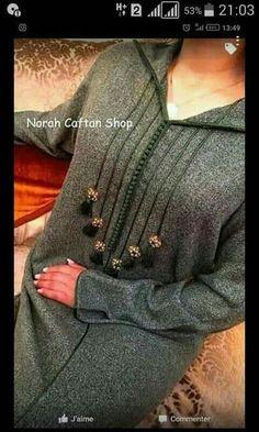 Kurti Neck Designs, Blouse Designs, Mode Abaya, Moroccan Caftan, Couture, Pakistani Dresses, Fashion Pants, Pretty Outfits, Stylish