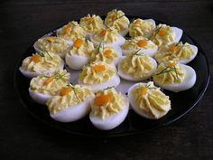 En ook gevulde eieren zijn natuurlijk altijd een feestelijk hapje! #oudjaarsavond #recepten
