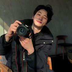 Wonderful Crock Pot Recipes For Large Groups Of People - My Website Korean Boys Hot, Korean Boys Ulzzang, Korean Couple, Korean Men, Cute Asian Guys, Asian Boys, Cute Guys, Hot Asian Men, Ullzang Boys