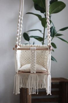 Awesome searching and patterns on pinterest for Diy macrame baby swing