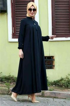 Tesettür Hijab Gown, Hijab Style Dress, Dress Indian Style, Hijab Chic, Hijab Outfit, Hijab Fashion Summer, Niqab Fashion, Muslim Fashion, Fashion Dresses