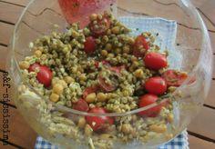 insalata di farro con pomodori, feta, ceci di Cicireale e pesto alla siciliana