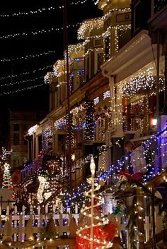 Miracle On 34th Street in Hamden. http://visitmaryland.org/Events/Pages/Holiday.aspx #baltimore #maryland #holidays