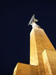 Szabadság-szobor (Liberty Statue / Freiheitsstatue / Statue de la Liberté) Budapest City, Hungary, Liberty Statue, Tower, Statue Of Libery, Projects, Statue Of Liberty Facts, Rook, Computer Case
