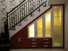 Lemari bawah tangga