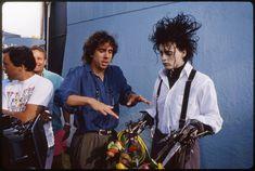 See Johnny Depp On The 'Edward Scissorhands' Set Johnny Depp Winona Ryder, Tim Burton Johnny Depp, Young Johnny Depp, Tim Burton Art, Johnny Depp Movies, The Brave Johnny Depp, Tv Movie, Johny Depp, Grunge