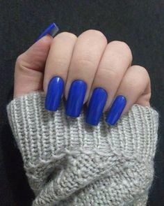 "3 aprecieri, 1 comentarii - Daily Nails (@dailynailspage) pe Instagram: ""#nails #blue #bluenails #bluenailpolish #naturalnails #nailsdone #byme"""