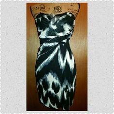 Express Dress Strapless body hugging dress..very cute ? Express Dresses Strapless
