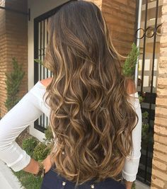 97 ombre hair colors for 2018 - Hairstyles Trends Wavy Hair, Dyed Hair, Blonde Hair, Blonde Roots, Brunette Hair, Cabelo Ombre Hair, Balayage Hair, Carmel Hair Color, Ombre Hair Color