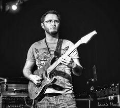 Tom Quayle jam at the guitar idol final 2011
