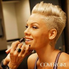 Short Hair Beauty P!nk keeps it She's gorgeous. Her music is awesome. Nuff said. We could work out together and she could teach me how to be a gymnast. Pink Haircut, Short Hair Cuts, Short Hair Styles, Pompadour Hairstyle, Peinados Pin Up, Sassy Hair, Corte Y Color, Funky Hairstyles, Singer Pink Hairstyles