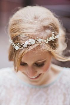 Delicate flower halo - a more subtle approach to the ever popular floral crown Delicate Wedding Dress, Floral Crown Wedding, Floral Crowns, Gold Wedding, Wedding Veils, Wedding Headband, Wedding Crowns, Party Wedding, Bridal Headbands