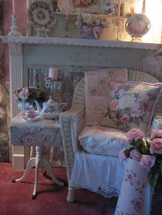 Shabby Cats and Roses: Everything's Coming Up Pink Roses for Tea Tuesday