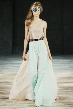 how to wear a maxi skirt 3 Pearl Munhawa saved this photo titled 'Mint and Neutral' to their StyleSaint profile. More than 42 StyleSaints retore this photograph. Mint maxi skirt, silk maxi skirt, gold silk tank top, metal gold belt, runway.