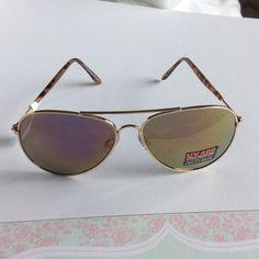 NWT aviator sunglasses with tortoise tips Brand new Accessories Sunglasses