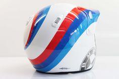 hand painting_fatto a mano_in italia Bmw Helmet, Helmet Design, Graphic Art, Iron, Painting, Helmet, Italia, Painting Art, Paintings