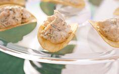 Barquinhas de batata frita recheadas com salmão