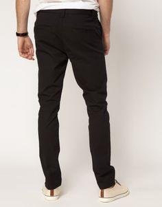 Pantalones para chicos con trasero voluminoso