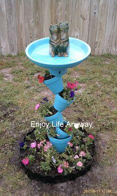 Enjoy Life Anyway: DIY Bird Bath Topsy Turvy Bird Bath planter - how cool! (Minus the ugly frogs) Bird Bath Planter, Diy Bird Bath, Planters, Homemade Bird Baths, Bird Bath Garden, Planter Ideas, Garden Cottage, Garden Crafts, Garden Projects