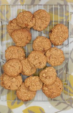 Oatmeal raisin cookies with spelt flour - use coconut oil instead of butter and its vegan!