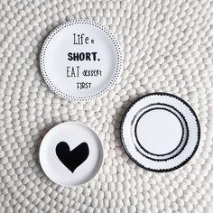 839 vind-ik-leuks, 22 reacties - Stylist & woonblogger (@arja_van_garderen) op Instagram: 'Iemand DE tip om zonder gaten in de muur deze gave bordjes (met haakjes aan de achterkant) van…'
