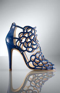 Oscar de la Renta: 'Gladia' Cage Sandal - metallic gold is gorgeous, too!