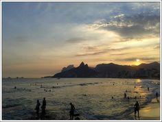Fly me Away: Rio de Janeiro #Fly #me #Away: #RiodeJaneiro | #praia #montanhas #cultura #lazer #verão #praias #areais #fantásticos #FlyMeAway #Rio #de #Janeiro #CidadeMaravilhosa #relaxe #Pôr #do #sol #Praia #do #Arpoador