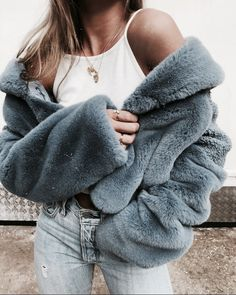 3 Jolting Cool Ideas: Classy Urban Fashion Woman Clothing urban wear fashion all black.Urban Wear For Men Spaces african american urban fashion tee shirts. Style Outfits, Mode Outfits, Classy Outfits, Trendy Outfits, Fall Outfits, Fashion Outfits, Fashion Trends, Womens Fashion, Sneakers Fashion