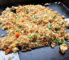 Make your rice the day before, then put it in your fridge overnight. I've found that this helps the rice dry out. Learn how to cook fried rice on a griddle. Hibachi Fried Rice, Cooking Fried Rice, Beef Fried Rice, Easy Rice Recipes, Top Recipes, Asian Recipes, Vegetarian Grilling, Grilling Recipes, Planks