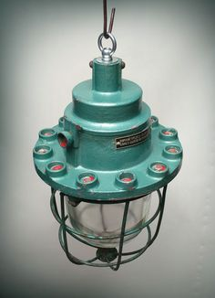 Industrial mine lamp. REVOLIGHT.be