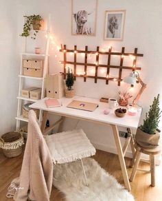diy projects Apartment desks - Simple, Easy & Intimidating DIY Desk Ideas - Thrift with Vitor Cute Bedroom Decor, Room Ideas Bedroom, Small Bedroom Decor On A Budget, Bedroom Inspo, Bedroom Small, Teen Bedroom Decorations, Office In Bedroom Ideas, Decor For Small Spaces, Small Living Spaces