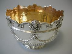 ANTIQUE ENGLISH SILVER MONTEITH BOWL - James Garrard - Ceremonial and decorative objects