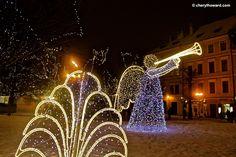 Christmas Markets: Wenceslas Square in Prague.    http://cherylhoward.com/2011/11/14/christmas-markets-wenceslas-square-in-prague/    #prague #praha #czechrepublic #europe #travel #christmas #markets