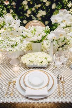 checkered gold and white sequin table photo: interesting. really like this idea, but not sure how to pull it off. Tulip Wedding, Mod Wedding, Wedding Events, Wedding Ideas, Wedding Reception, Reception Table, Wedding Planning, Beautiful Table Settings, Wedding Table Settings
