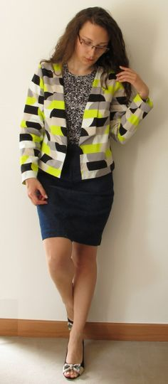 Just the right amount of pattern and color on the Fluometric Cropped Blazer by Fille Futile #sewing #salmepatterns #blazer