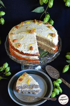 Salmon and mozzarella cake - Clean Eating Snacks Hummingbird Cake, Recipe Notes, Jamie Oliver, Smoked Salmon, Savoury Cake, Cake Pans, Clean Eating Snacks, Mozzarella, Easy Meals