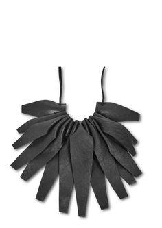 Colliers aus Leder von Black Lily