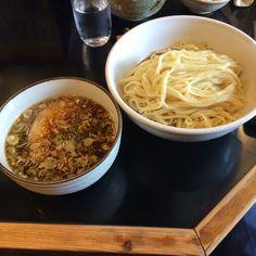 鶴麺にて。黒つけ麺!